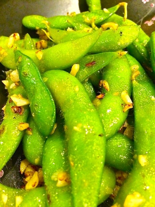 These were awesome too, edamame boiled in the usual fashion in salty water then on to the griddle with garlic for a quick fry up. Ding Dong!!!